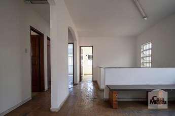 Casa com 10 quartos para alugar no bairro Prado, 341m²
