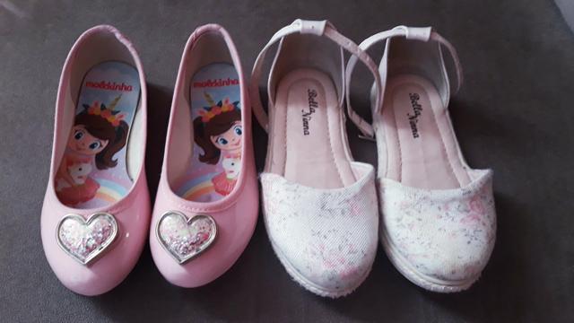 2 pares de calçados 25 e 26