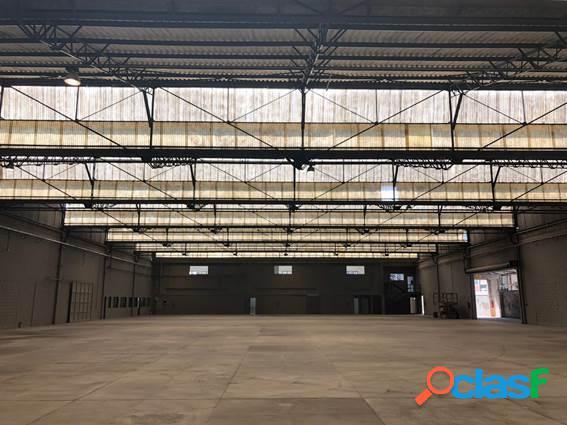 4.200m² área construída - 835m² área de escritório e