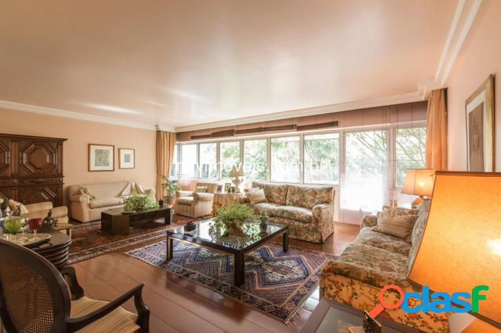 Apartamento alto padrão, no bairro Jardim Paulista, 226 m²