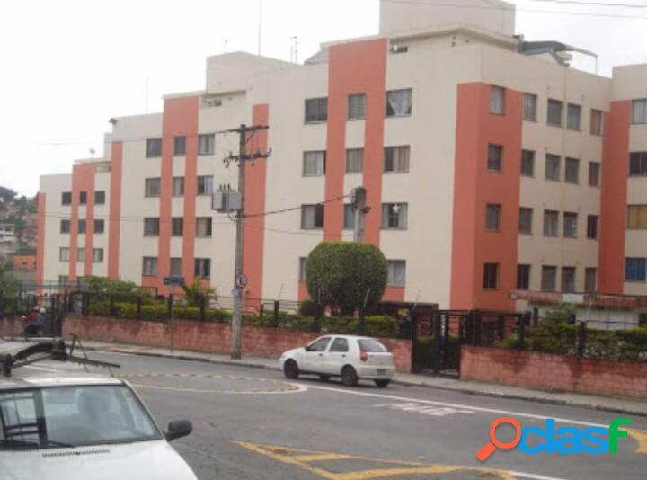 Apartamento amplo com excelente localização