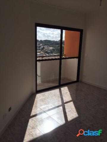 Apartamento amplo com excelente localização. Mande sua