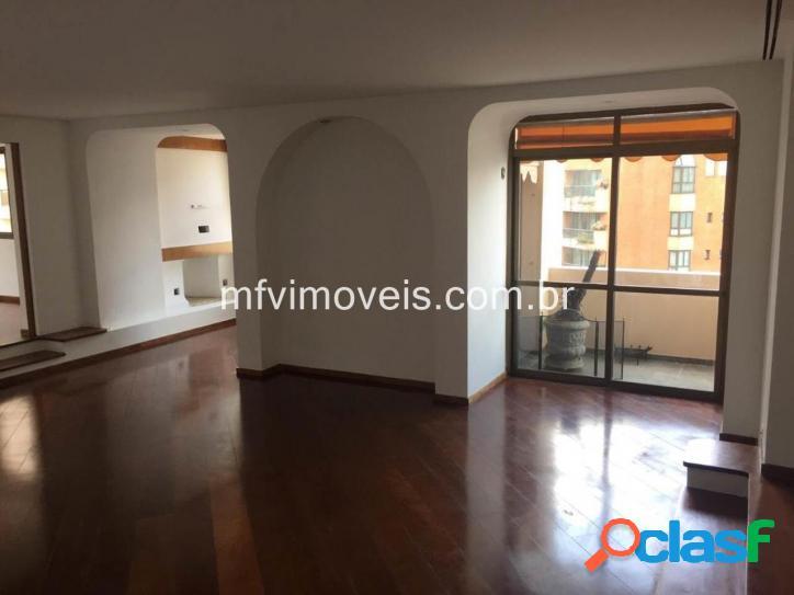 Apartamento no bairro Jardim Paulista, alto padrão, 270 m²