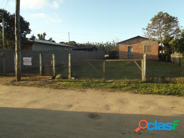Casa de alvenaria 60m², em condomínio fechado, Morro