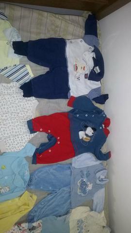 Lote de roupa de behe menino