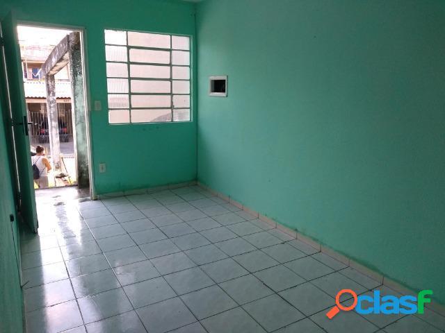 Oportunidade - Casa com excelente localização e fácil