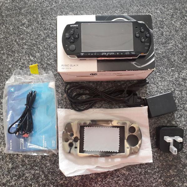 PSP 3000 - Cartão de 8gb - Desbloqueado - Conservado