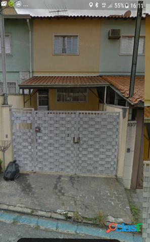 Sobrado com 2 dormitórios à venda, 74 m² por R$ 355.000