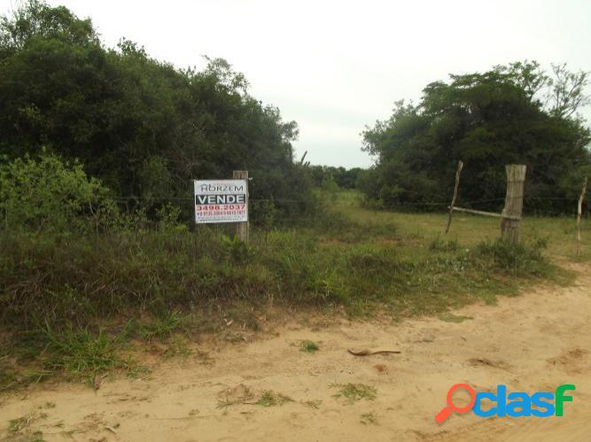 Área Rural de 20.000m², Luz na frente, Escriturada, Lombas