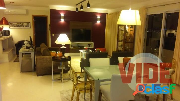 Amplo apartamento com 3 dormitórios (2 suítes), 2 vagas,