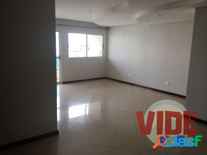Apartamento com 3 dormitórios (1 suíte), 128 m², no