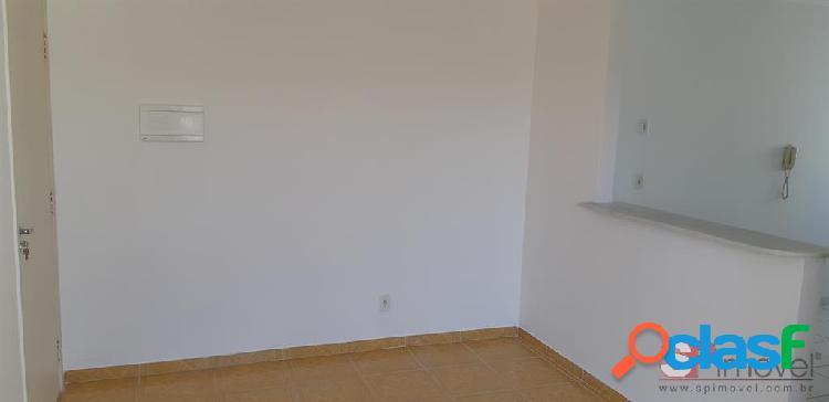 Apto para locação tem 50 metros quadrados com 2 quartos em