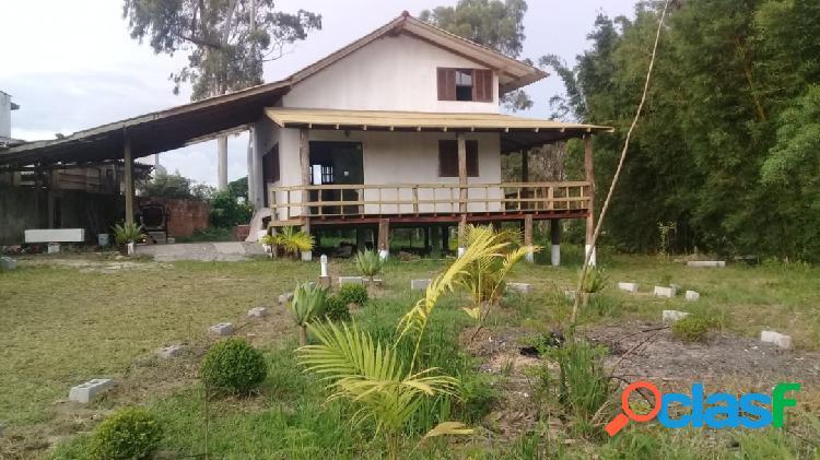 Praia do Rosa - Área de 2441m² com casa 100m² - Financia!