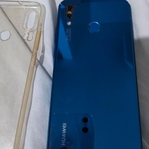 celular Huawei p20 lite, tampa traseira trincada, acompanha