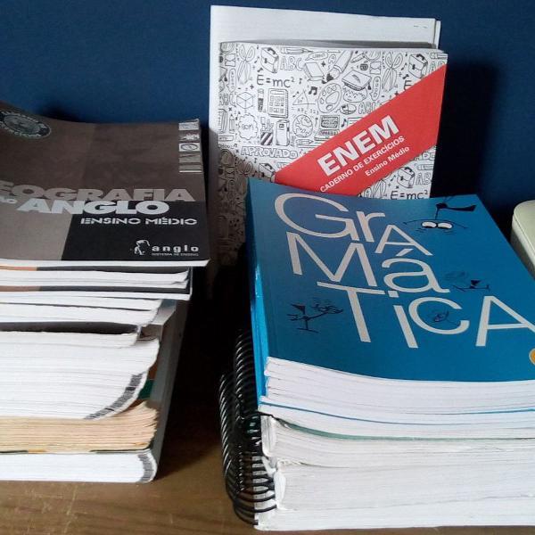 livros e apostilas para vestibulares