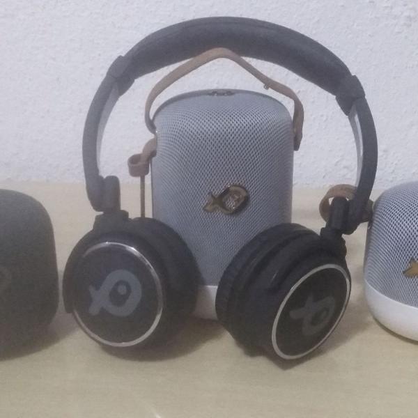 conjunto de caixas de som e fine de ouvido bluetooth