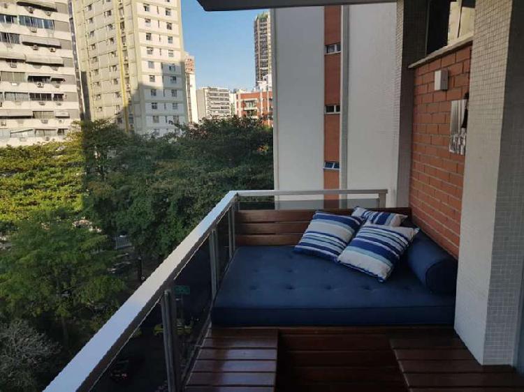 Apartamento de 2 quartos com suítes no Leblon