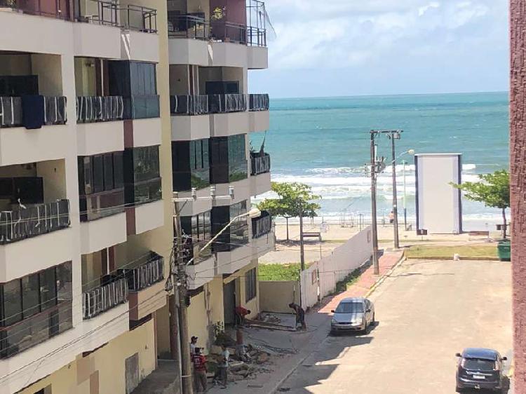 Apartamento na quadra do mar em Meia Praia - 3 dormitórios
