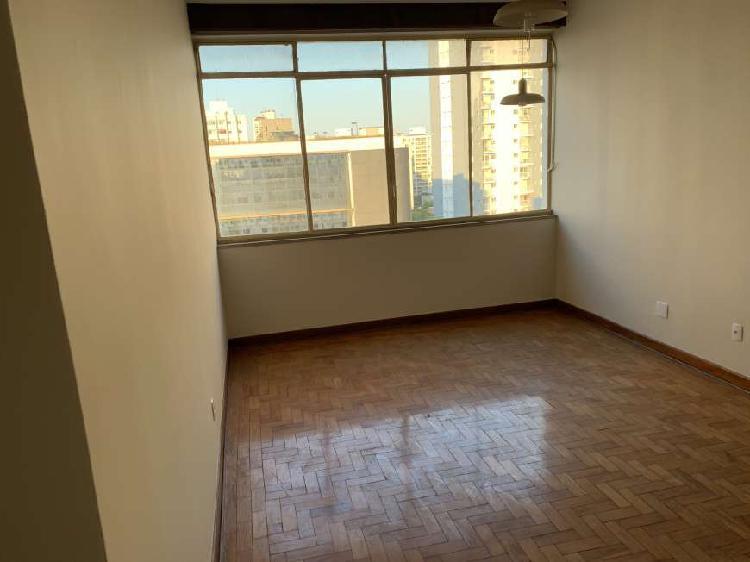 Apartamento para aluguel possui 93 metros quadrados com 2