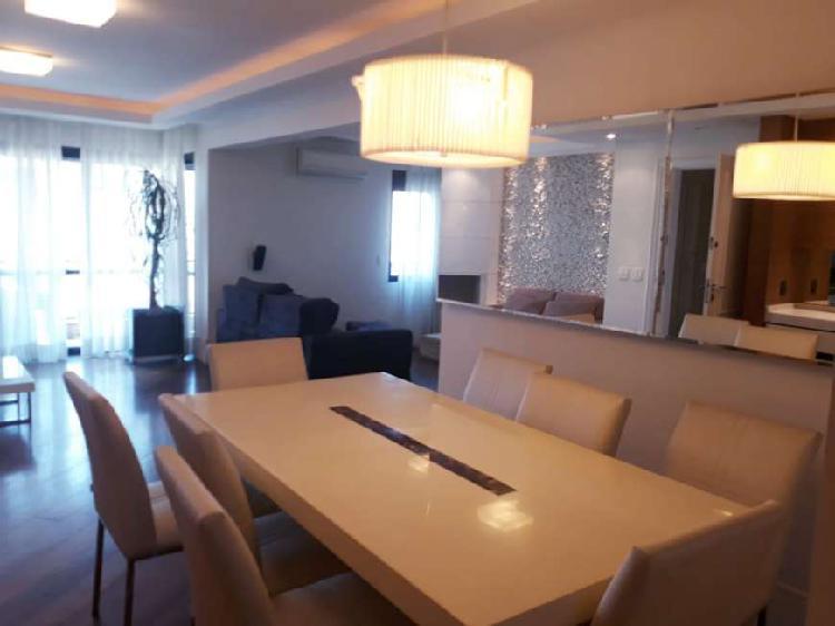 Apartamento para venda com 160 metros quadrados com 3