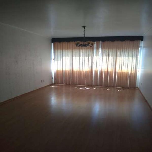 Apartamento para venda possui 185 metros quadrados com 3