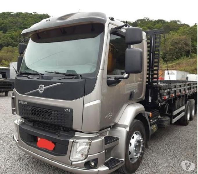 Caminhão VOLVO VM 270