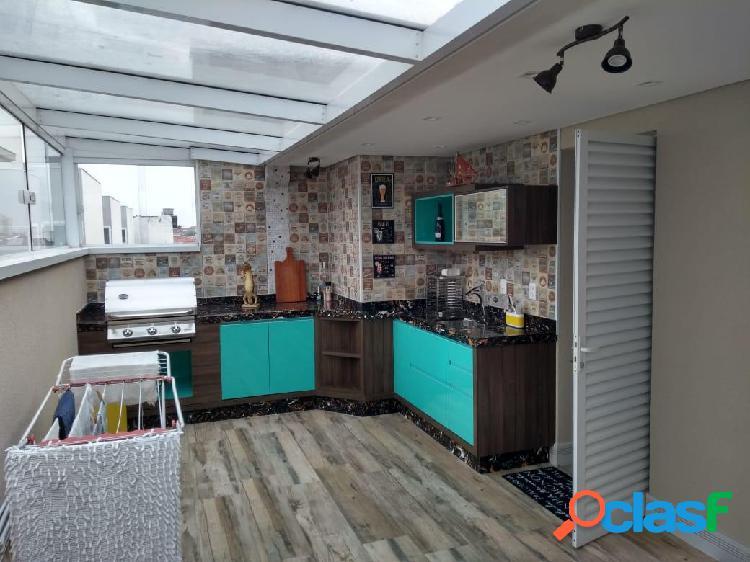 Casa em Condomínio Fechado com 3 Suítes e 3 Vagas a 900m