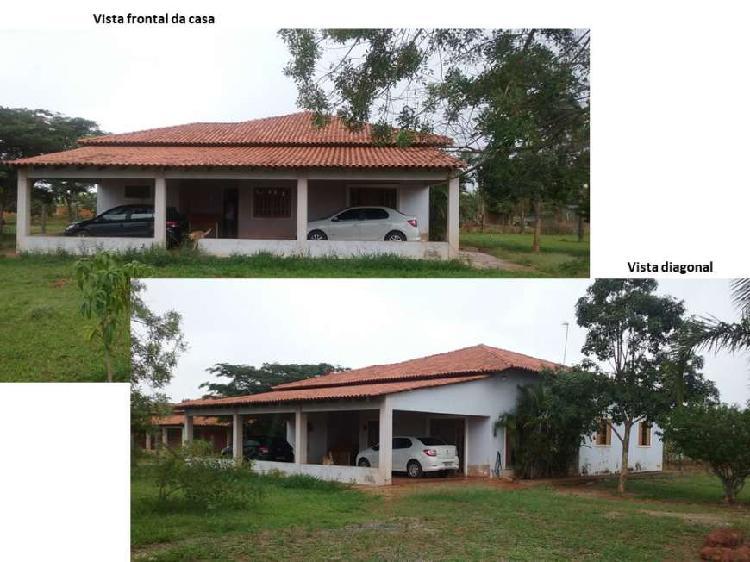 Casa na área rural, com 4 quartos, Núcleo Rural Alexandre