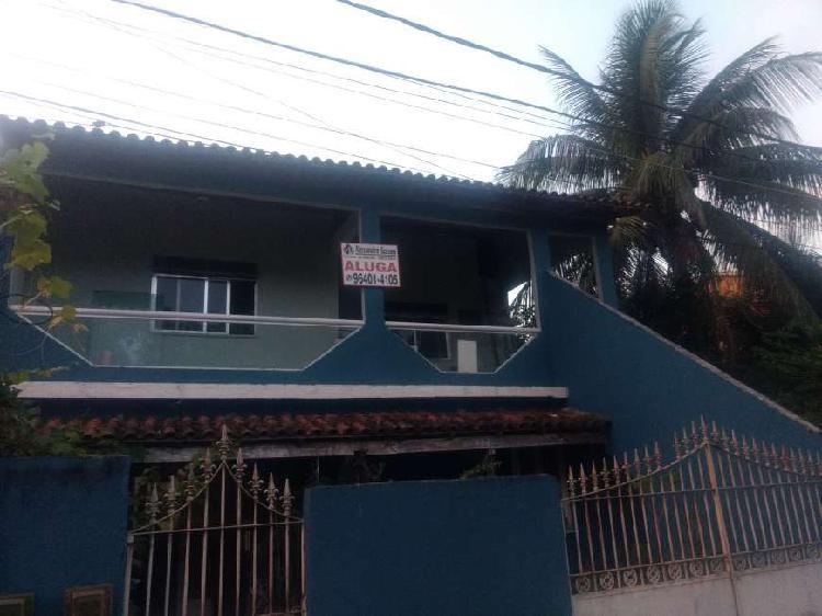 Casa para aluguel possui 120 metros quadrados com 2 quartos