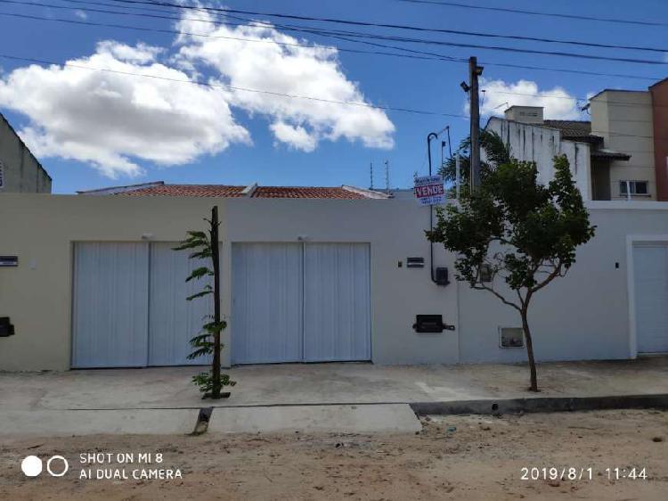 Casa para venda com 67 metros quadrados com 2 quartos em