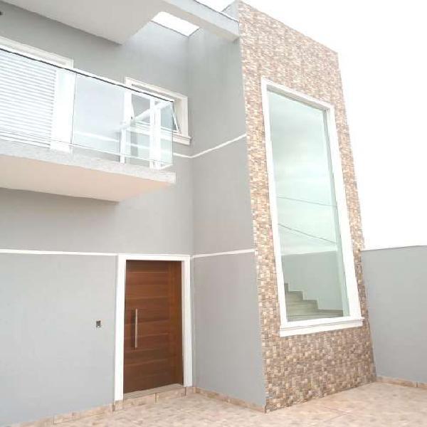 Casa para venda tem 106 metros quadrados com 3 quartos em