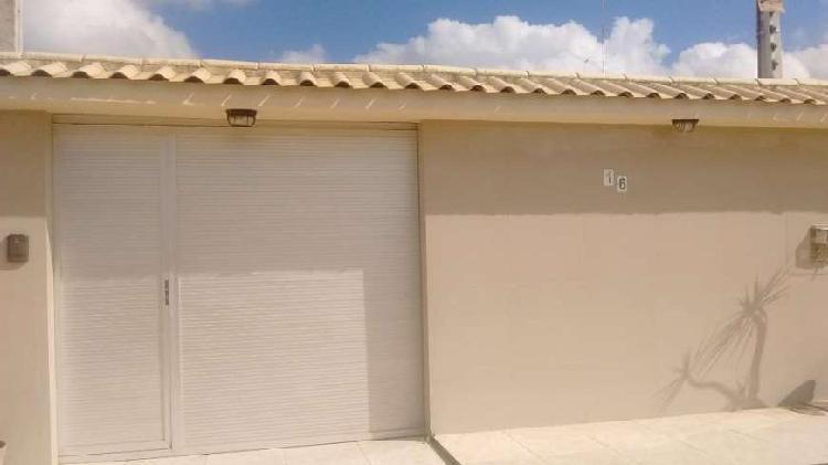 Casa para venda tem 162 metros quadrados com 3 quartos em