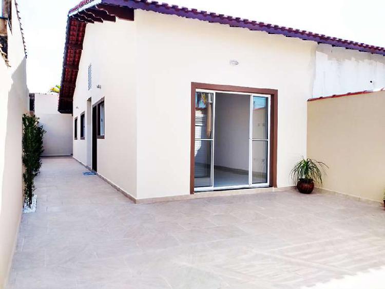 Casa para venda tem 75 metros quadrados com 2 quartos em