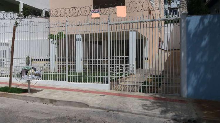 Cobertura com 3 Quartos à Venda, 138 m² por R$ 390.000