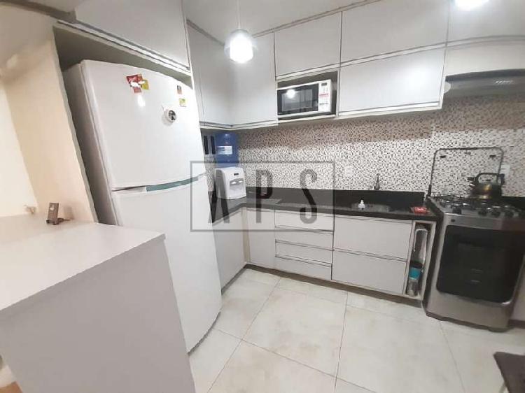 Casa para venda com 60 metros quadrados com 2 quartos em