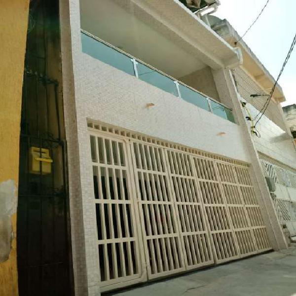Casa para venda tem 170 metros quadrados com 3 quartos em