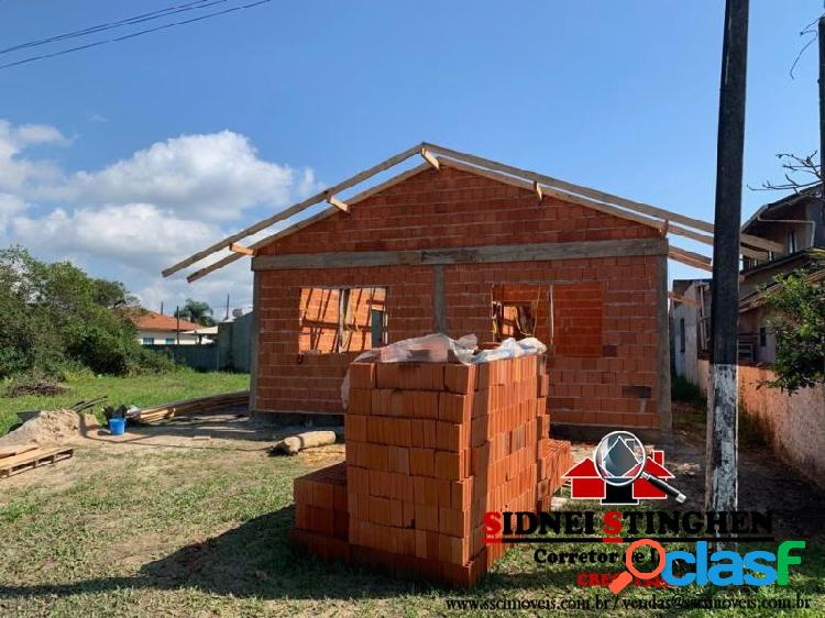 Casa em fase de construção, será entregue pronta.