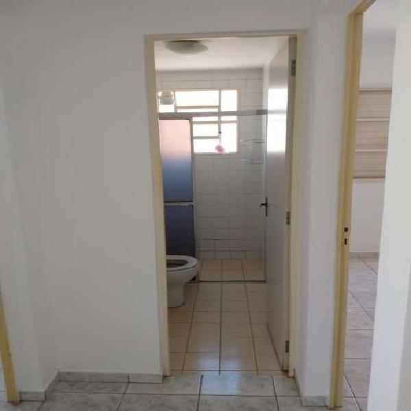 Apartamento com 2 dormitórios e 2 vagas de