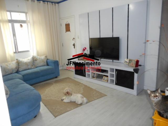 Apartamento com 3 dormitórios a venda em Embaré, Santos.