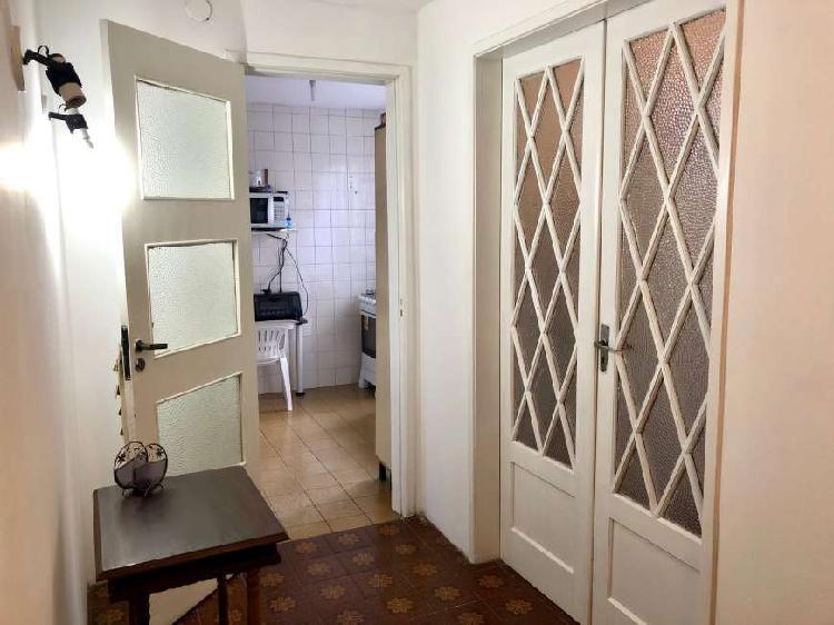 Apartamento de 2 dormitórios, térreo, com possibilidade de