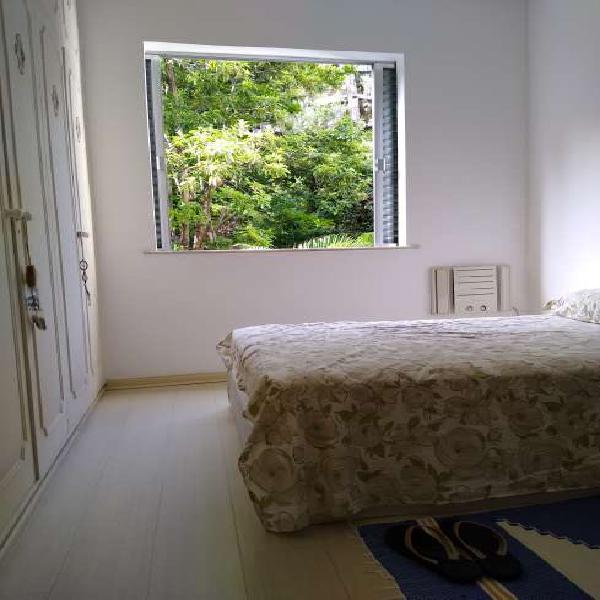 Apartamento para aluguel possui 55 metros quadrados com 1