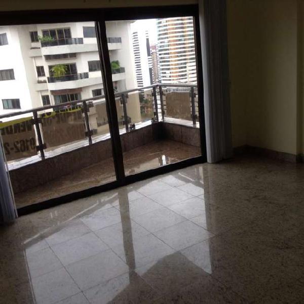 Apartamento para venda tem 311 metros quadrados com 4
