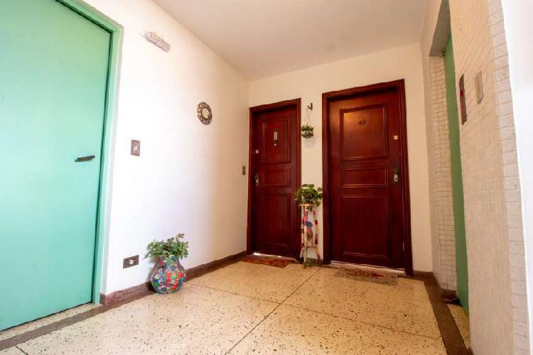 Apartamento para venda tem 67 metros quadrados com 2 quartos