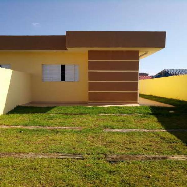 Casa para venda possui 70 metros quadrados com 2 quartos em