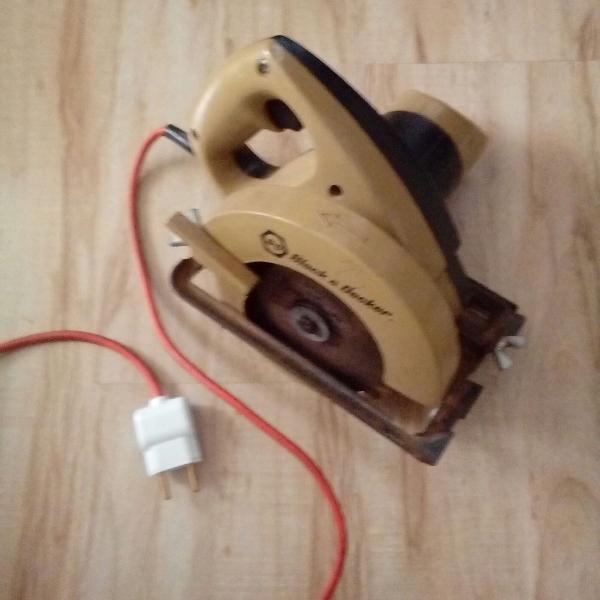 Serra Elétrica circular manual Black Decker