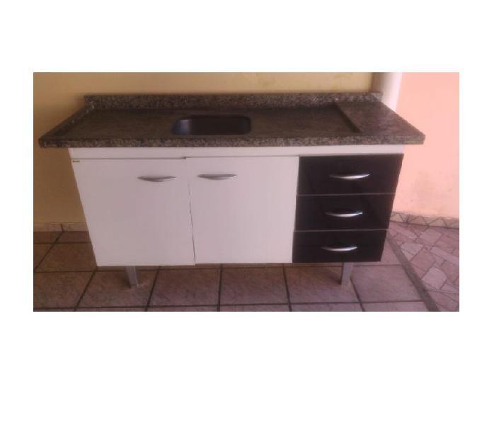 Vendo um gabinete de 1 metro ½ x 60 cm, com 3 gaveteiros