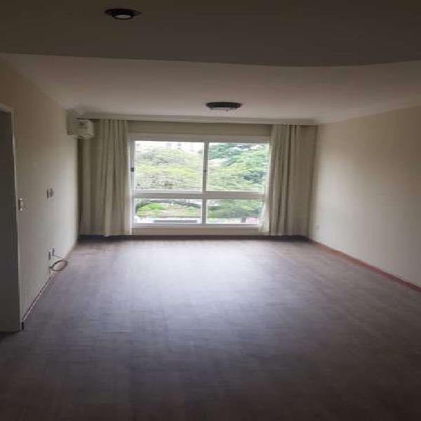 Apartamento para alugar no bairro Menino Deus