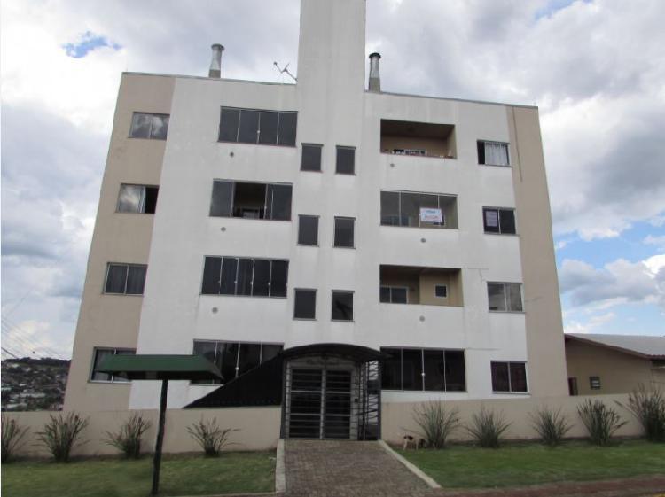Apartamento semimobiliado para locação no Universitário -