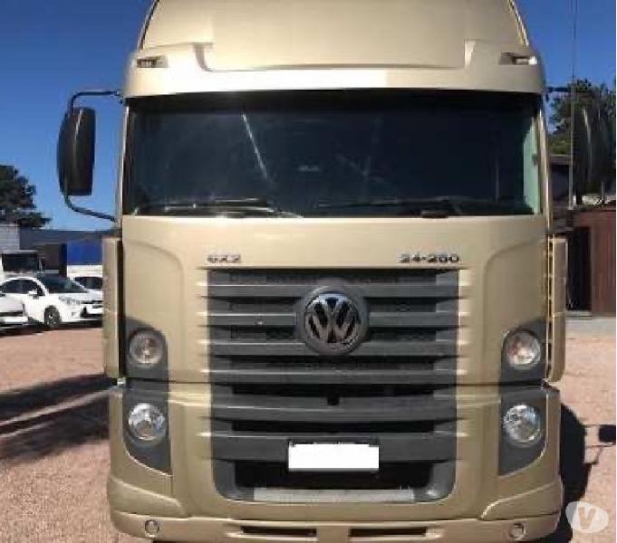 Volkswagen Constellation 24-250 Ano 2012 8x2