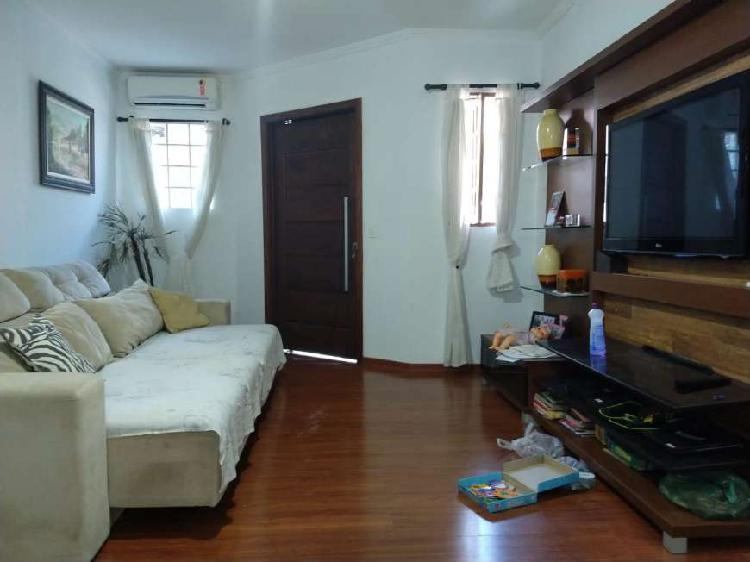 Casa de condomínio para venda possui 108 metros quadrados